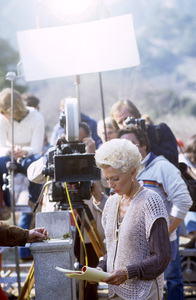 """Lana Turner during an episode of """"Falcon Crest""""1982© 1982 Gunther - Image 0954_0726"""