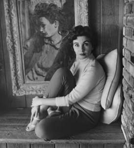 Jean Simmons at Home4/14/1955 © 1978 Sid Avery - Image 0956_0054