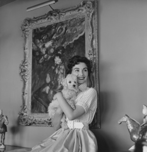 """Jean Simmons at homewith poodle """"Old Beau""""4/14/1955 © 1978 Sid Avery - Image 0956_0057"""