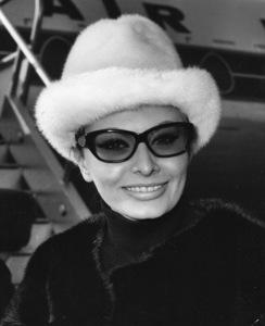 Sophia Loren, 1965. - Image 0959_2072