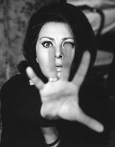 Sophia Loren, 1965. - Image 0959_2081