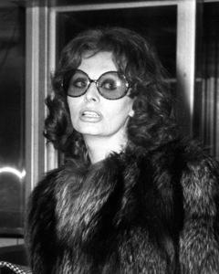 Sophia Loren arriving in Rome, 1974. - Image 0959_2114