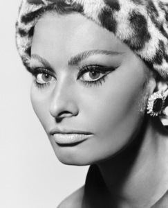 """Sophia Loren in """"Arabesque""""1966 Universal** I.V. - Image 0959_2115"""