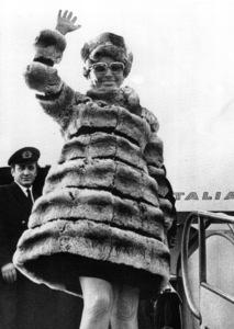 Sophia Loren arrives in Rome, 1969. - Image 0959_2124