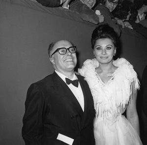 Sophia Loren with husband Carlo Ponticirca 1966Photo by Joe Shere - Image 0959_2148
