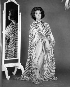 """Sophia Loren in """"Arabesque""""1966 Universal** I.V. / M.T. - Image 0959_2155"""
