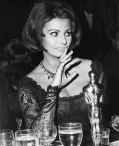 Sophia Loren at the Academy Awards 1961** I.V. - Image 0959_2157