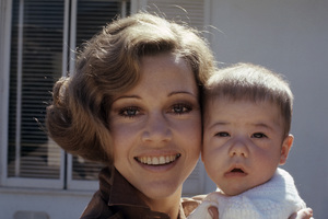 Jane Fonda at home with her daughter Vanessa 1969 © 1978 Bruce McBroom - Image 0968_1094