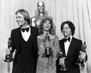 "Jane Fonda and Jon Voight with their Oscars for ""Coming Home"" and Michael Cimino with his Oscar for directing ""The Deer Hunter"" at ""The 51st Annual Academy Awards""** I.V. - Image 0968_1202"