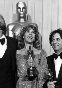 """Jane Fonda and Jon Voight with their Oscars for """"Coming Home"""" and Michael Cimino with his Oscar for directing """"The Deer Hunter"""" at """"The 51st Annual Academy Awards""""1979** I.V. - Image 0968_1206"""