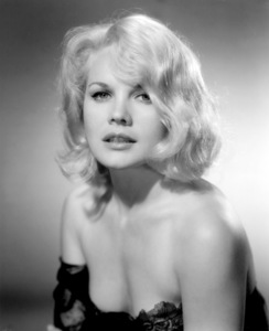 "Caroll Bakerin ""The Carpetbaggers""1964 Paramount - Image 0988_0808"