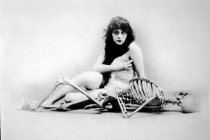 "Theda Bara ""A Fool There Was"" 1915**I.V. - Image 0989_2996"