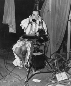 """Milton Berle on the set of""""Always Leave Them Laughing"""" © 1949 Warner - Image 0996_0004"""