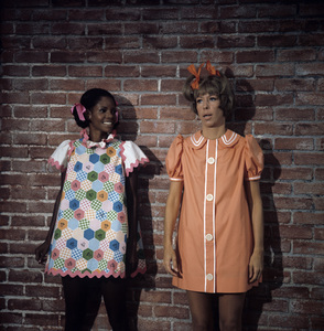 "Carol Burnett and Melba Moore on ""The Carol Burnett Show""1972** H.L. - Image 1000_0191"