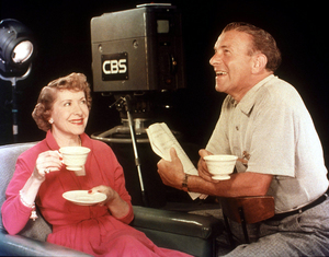 George Burnsand Gracie AllenC. 1952 CBS © 1978 Glen EmbreeMPTV - Image 1001_0059