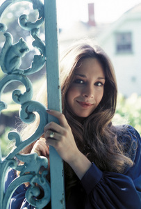Mary Crosby1980** H.L. - Image 10120_0003