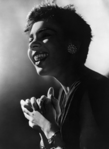 Shirley Basseycirca 1965 - Image 10162_0002
