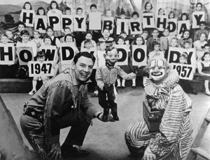"""Howdy Doody Show""Buffalo Bob (Bob Smith), Howdy Doody, Clarabell the Clown (Alfie Scopp), the Peanut Gallerycirca 1955 - Image 10309_0002"