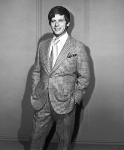 """""""Civic Light Opera: How to Succeed in Business Without Really Trying""""Robert Morse1975 © 1978 Eric Skipsey - Image 10404_0001"""
