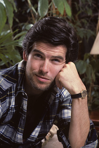 Pierce Brosnan at home1984 © 1984 Gene Trindl - Image 10412_0009
