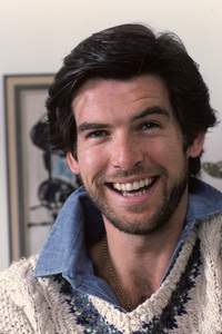 Pierce Brosnan at home1984 © 1984 Gene Trindl - Image 10412_0020