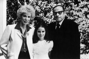 Joan Rivers with her husband, Edgar Rosenberg, and their daughter, Melissa1984© 1984 Gunther - Image 10522_0039