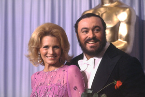"""""""Academy Awards: 53rd Annual,"""" Luciano Pavarotti, Angie Dickinson. 1981. © 1981 Gunther - Image 10548_0037"""