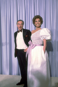 """""""Academy Awards: 53rd Annual,"""" Jack Lemmon, Mary Tyler Moore. 1981. © 1981 Gunther - Image 10548_0045"""