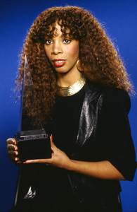 Donna Summer and her American Music Award1979 © 2009 Bobby Holland - Image 10557_0043