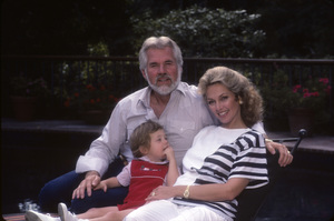 Kenny Rogers with his wife, Marianne Gordon, and their son, Christopher Cody Rogers1984© 1984 Mario Casilli - Image 10575_0053