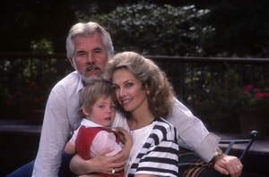 Kenny Rogers with his wife, Marianne Gordon, and their son, Christopher Cody Rogers1984© 1984 Mario Casilli - Image 10575_0054