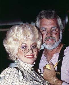 """""""Kenny & Dolly: A Christmas to Remember""""Kenny Rogers, Dolly Parton1984** I.V.M. - Image 10575_0069"""