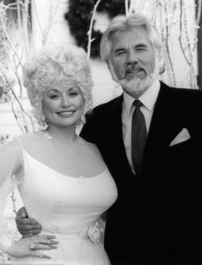 """Kenny & Dolly: A Christmas to Remember""Kenny Rogers, Dolly Parton1984** I.V.M. - Image 10575_0071"