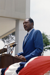 Tom Bradley1969 © 1978 Gunther - Image 10587_0009