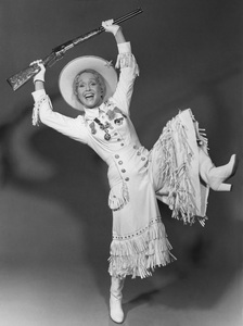 """""""Civic Light Opera: Annie Get Your Gun""""Debbie Reynolds1977 © 1978 Eric Skipsey - Image 10631_0002"""