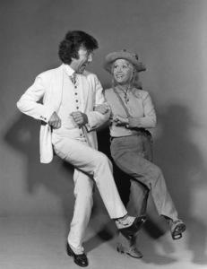 """Civic Light Opera: Annie Get Your Gun""Debbie Reynolds, Peter Bruni1977© 1978 Eric Skipsey - Image 10631_0005"