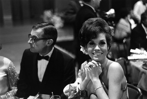 """""""The Golden Globe Awards""""Mary Tyler Moore1968 © 1978 Gunther  - Image 10636_0002"""