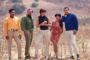 Fifth DimensionMarilyn McCoo,Florence LaRue,LaMont McLemore,Ron Townson,Billy DavisC. 1969 © 1978 GuntherMPTV - Image 10640_0004