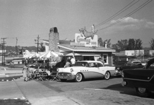 Restaurants (The Gingham Hot Dog on La Cienega)circa 1957© 1978 David Sutton - Image 10641_0025