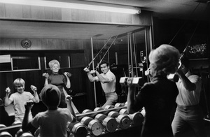 Jack LaLanne at home with his son and wife Elainecirca 1969 © 1978 Gunther - Image 10686_0008