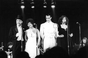 """Manhattan Transfer""Tim Hauser, Janis Siegel, Alan Paul and Laurel Masse at the Roxy Theatre in Los Angeles, CA1975 © 1978 Ulvis Alberts - Image 10687_0001"