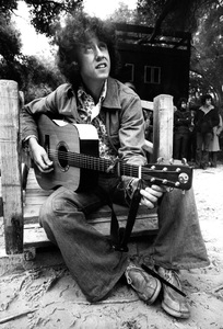 Arlo Guthrie in Topanga Canyon, California1975 © 1978 Ulvis Alberts - Image 10691_0001