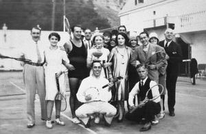 Marion Davies, Bebe Daniels, Marguerite Draper and Charles Chaplin at Hearst Castlecirca 1935 - Image 10720_0018