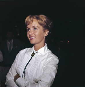 """Share Party""Debbie Reynolds1960 © 1978 Bernie Abramson - Image 10730_0007"