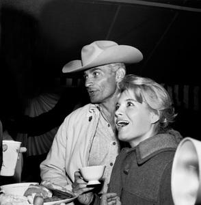 """The Alamo"" (Premiere)Angie Dickinson, Jeff Chandler1960 © 1978 Bernie Abramson - Image 10731_0002"