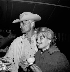 """The Alamo"" (Premiere)Angie Dickinson, Jeff Chandler1960 © 1978 Bernie Abramson - Image 10731_0003"