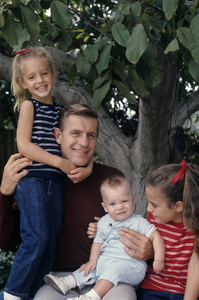 Jerry Van Dyke and his familycirca 1967© 1978 Gunther - Image 10735_0007