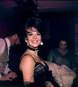 """Share Party"" Natalie Wood,1965. © 1978 Bernie Abramson - Image 10736_0001"