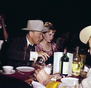 """Share Party""Frank Sinatra, Mia Farrow1965© 1978 Bernie Abramson - Image 10736_0002"