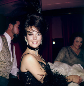 """Share Party,"" Natalie Wood.1965. © 1978 Bernie Abramson - Image 10736_0005"